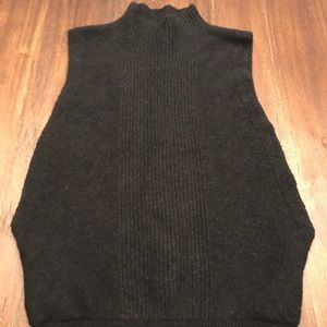 Banana Republic With Cut Out Sides Cowl Neck - XS